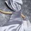 พร้อมส่ง ชุดราตรี สีเทา บ่าเฉียง ทรงเข้ารูป แต่งโบว์ที่ไหล่ (ซิปหลัง) thumbnail 7
