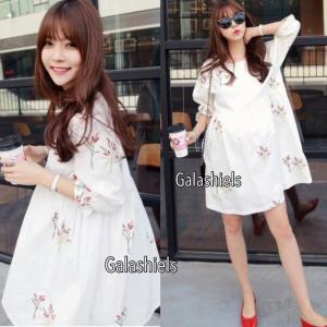 Flowery Embroidery on White Oversize Dress เดรสลายปักช่อดอกไม้