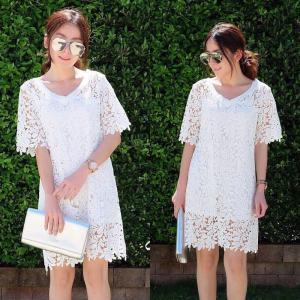 #90906 Lacy V neck dress เดรสลูกไม้คอวี : สีขาว