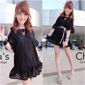 Korean Cut-Shoulder Lace Dress เดรสฉลุลายเว้าไหล่ สีดำ