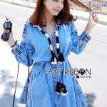 [พร้อมส่ง] เสื้อผ้าแฟชั่นเกาหลี เดรสผ้าคอตตอนสีฟ้าปักลายประดับพู่สไตล์โมเดิร์นฮิปปี้ ลุคแบบนี้ตอนนี้กำลังฮิตกันเลยค่ะ เป็นแบบโบฮีเมียนนิดๆ ทั้งตัวเป็นผ้าคอตตอนสีฟ้าเข้ม