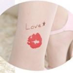 [พร้อมส่ง] T6963 ถุงน่องสีเนื้อ พิมพ์ลายรอยลิปสติก รูปปาก Love & Kiss
