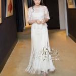 [พร้อมส่ง] เสื้อผ้าแฟชั่นเกาหลี maxidressสีขาว ลุคเรียบหรูเจ้าหญิงมากค่ะตัวนี้ ดีเทลแขนสั้น ช่วงเสื้อเป็นผ้าลูกไม้แต่งระบายที่เอว