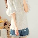 [พร้อมส่ง] เสื้อผ้าแฟชั่นเกาหลี เสื้อแฟชั่นเกาหลี ผ้า Pearl Chiffon + ผ้าลูกไม้ มีซับในด้านหน้า มีซิปซ่อนด้านหลัง สีขาว