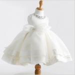 ชุดกระโปรง สีขาว แพ็ค 6 ชุด ไซส์ 100-110-120-130-140-150