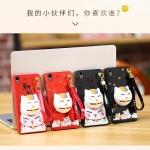 เคส Huawei Y6II พลาสติกสกรีนลายการ์ตูนแมวกวักนำโชค Lucky Neko พร้อมที่ตั้งและที่เก็บสายในตัวคุ้มค่ามากๆ ราคาถูก