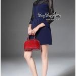[พร้อมส่ง] เสื้อผ้าแฟชั่นเกาหลี มินิเดรสทรงปล่อย แขนสามส่วนสีน้ำเงินเข้ม ดีเทลช่วงอกเป็นงานลูกไม้ See-Throught สีดำ