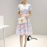 [พร้อมส่ง] เสื้อผ้าแฟชั่นเกาหลี มินิเดรสจากผ้าซาตินมัน เงา สีชมพูโอรสพิมพ์ลายนกสีฟ้า โทนสีพาสเทลสไตล์สาวหวาน