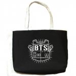 กระเป๋าสะพาย BTS สีดำ