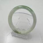 กำไลหยกขาวเขียวเนื้อดี(Bangle jade)