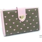 กระเป๋าสตางค์ ใบกลาง หนังPVC แบรนด์ Pretty zyz แท้ แต่งตารางหัวใจ
