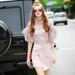 [พร้อมส่ง] เสื้อผ้าแฟชั่นเกาหลี เซตเสื้อ+กระโปรง ดีไซน์ตัวเสื้องานผ้าลูกไม้lace100%ทอลายดอกไม้ยักปนลายฉลุสลับกัน ช่วงแขนแต่งระบายสองชั้น