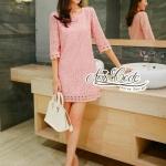 [พร้อมส่ง] เสื้อผ้าแฟชั่นเกาหลี มินิเดรสลูกไม้คอกลมสีชมพูสดใส ในผ้าลูกไม้ทั้งชุด ดีเทลเก๋ๆงานปักช่วงปลายชุดและแขน