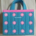 กระเป๋าแผ่นเฟรมลายดอกไม้สีฟ้า (ทำสำเร็จ)