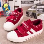 รองเท้าผ้าใบเด็กลายทางสีแดง