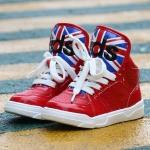 รองเท้าหุ้มข้อหนังลาย abs สีแดง