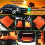 ผ้ายางปูพื้นรถยนต์เข้ารูป Benz CLA250 ลายกระดุมสีส้มขอบเขียว