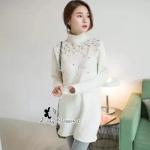 [พร้อมส่ง] เสื้อผ้าแฟชั่นเกาหลี มินิเดรสคอเต่า ตกแต่งด้วยมุขและคริสตัลช่วงอก สวยดูดีมากค่ะ ความหนากำลังดี ใส่เปนเดรสหรือจะใส่คู่กับ skinny หรือเลกกิ้งก็ดูดี