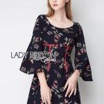 [พร้อมส่ง] เสื้อผ้าแฟชั่นเกาหลี มินิเดรสสีดำพิมพ์ลายดอกไม้ทรงแขนบาน ลุคนี้เป็นแบบเฟมินีน เนื้อผ้าไม่เหมือนใครเลยค่ะ พื้นเป็นสีดำ