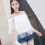 [พร้อมส่ง] เสื้อผ้าแฟชั่นเกาหลีราคาถูก เสื้อแฟชั่นเกาหลี ผ้าลูกไม้ มีซับใน เย็บยางยืดที่คอ แบบสวม สีขาว