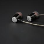 ขาย หูฟัง Knowledge Zenith ED3 หูฟัง อินเอียร์ In-ear ระดับ high end professional เบสยืดหยุ่น เสียงดี สายถักพิเศษ 32 core L-OFC มาพร้อมกับเทคโนโลยี Super noise Reduction