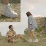 รองเท้าผ้าใบ แบบ Hyekyo ในซีรีย์ Descendants of the Sun