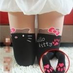 [พร้อมส่ง] P2309 ถุงน่องลายคิตตี้ สีดำ โบชมพู พิมพ์ลายครึ่งหน้า มีรอยเท้าแมวด้วยจ้า น่ารักสุดๆ (มีรอยเท้า)