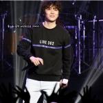 เสื้อแขนยาวกันหนาว (Sweater) Hong Ki - LIVE 302