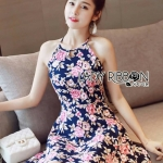 [พร้อมส่ง] เสื้อผ้าแฟชั่นเกาหลี เดรสแขนกุดผ้าสีกรมพิมพ์ลายดอกกุหลาบ ตัวนี้เหมาะกับสาวรักดอกไม้ เป็นลุคลำลองที่ดูเซ็กซี่นิดๆ