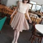 [พร้อมส่ง] เดรสแฟชั่นเกาหลี Chuvivi ชุดเดรส สีตามภาพ ผ้าฝ้ายไลคร่า+ซีฟองเนื้อนุ่ม เอวยืด มีซับในกระโปรง ด้านแต่งผ้าเย็บดอกไม้