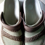 รองเท้าหัวโตสีน้ำตาล คู่ละ 85 บาท