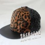 หมวกลายเสือดาวแบบ B1A4