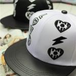 หมวก LOVE