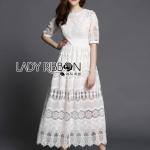 [พร้อมส่ง] เสื้อผ้าแฟชั่นเกาหลี เดรสยาวตกแต่งลูกไม้สีขาว ลุคนี้ใส่แล้วเหมือนเจ้าหญิงเลยค่ะ เป็นแบบเรียบๆแต่มีดีเทลที่เนื้อผ้า เป็นผ้าคอตตอนสลับกับลูกไม้