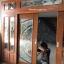 ประตูไม้สักกระจกนิรภัยเต็มบานรางเงิน ชุด7ชิ้น รหัส AAA02 thumbnail 4