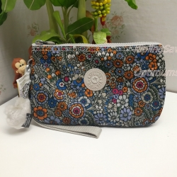 Kipling Creativity XL Loopy Flowers ขนาด 8.5 x 5.375 x 1.75 นิ้ว