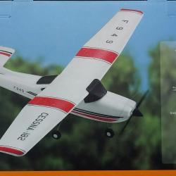 เครื่องบินCessna-182บังคับ