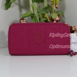 Kipling Uzario Cherry Pink เป็นกระเป๋าสตางค์ใบยาวแบบ 2 ซิปรอบ ขนาด 10 L x 18.5 H x 3.5 W cm