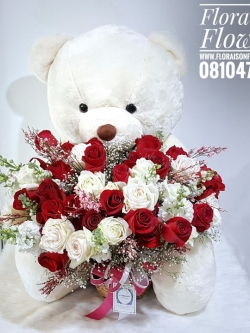 ตุ๊กตาหมีกอดตะกร้าดอกไม้ กุหลาบแดง ขาว (PREMIUM)