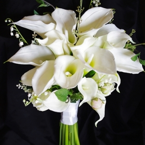 Calla Lily   ช่อดอกไม้งานแต่งกับความงามที่บริสุทธิ์ - ร้านดอกไม้ฟลอเรซอง