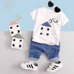 (SOLD OUT) W018 : Set 2 ชิ้น เสื้อแขนสั้นสีขาวตกแต่งลาย + กางเกงขาสั้นสีฟ้าลายทาง