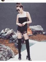 กางเกงยีนส์ขาสั้น Coco High-Waist Distressed Denim Shorts