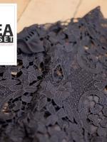 เสื้อแฟชั่น Elegance Lace Blouse by ChiCha's สีดำ